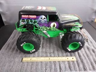 16  Radio Controlled Car