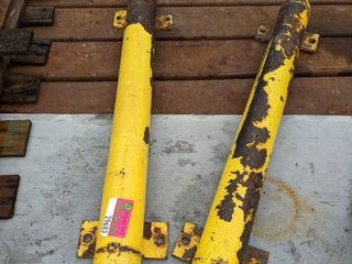 Yellow Guide Poles