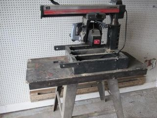 Craftsman Radial Saw   Scie a onglet 10