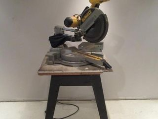 Dewalt Miter Saw with stand   Scie a onglet