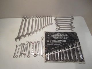 lot of Wrenches   Cles