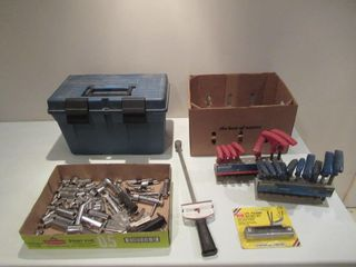 lot of Tools and Tool Box   lot outils et coffre