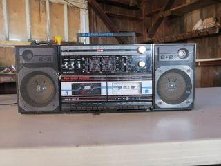 GE RADIO CASSETTE PlAYER