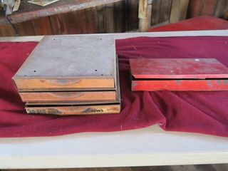 3 METAl DRAWERS   CONTENTS   RED TOOl BOX