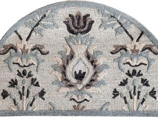 Traditional Floral Motif Specialty Area Rug