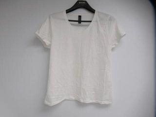 Hanes Men s Xl Nano T V Neck T Shirt  White