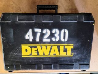 DEWAlT Rotary Hammer Kit w Case   for parts only