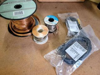 Speaker Wire   ProSeries II Speaker Cable with 24K Gold Plated Pins    2  Small Spools Vintage Speaker Wire