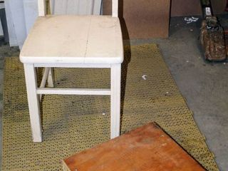 Simple Painted Wooden Table Chair and Wooden Pedestal 17 5  x 17 5  x 4