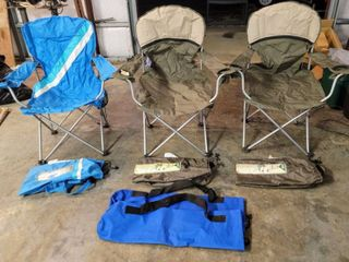 3  Outdoor Camping Folding Arm Chairs with Cases    2  additional blue cases