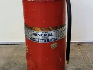 Vintage GENERAl Quick Aid Fire Extinguisher Model P 909   22  T