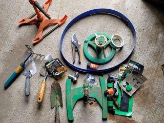 Gardening lot   Garden Tools  Sprinklers  Hose Repair Kit  Sprinklers  Green Garden Stakes