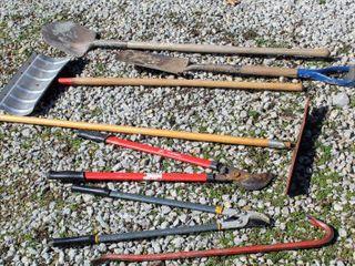 7  Piece Outdoor Tools lot  Snow Shovel   2  Ground Shovels   2  Pruner Cutters  Pro Wrecking Bar  long Reach Squeegee