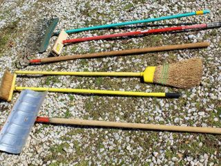 6  Piece Outdoor Tools lot  Snow Shovel  Professional Rough Scrub Brush   2  Brooms  Rake  and Wood Handle Ground Cultivator