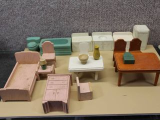 Vintage Set of Wooden Dollhouse Furniture   Various Sizes