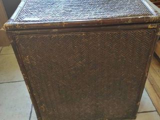 Vintage Wicker Clothes Hamper   26  x 29      lOCAl PICKUP ONlY
