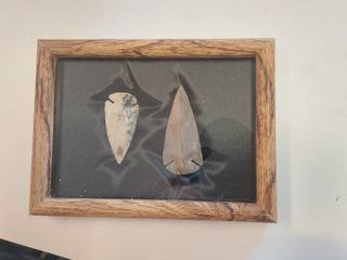 2 Arrowheads in Frame
