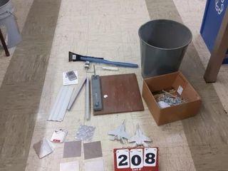 Assorted metal gauge samples  assorted items
