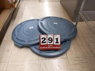 3 Round trash can lids