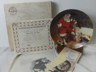 Edwin M  Knowles China Company 1989  Santa By the Fire  Decorative Plate with Certificate of Authenticity