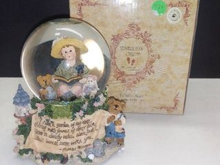Yesterdays Child Dollstone Collection Musical Snow Globe  A Childs Heart