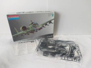 1983 Monogram 1 72 Scale Model Kit of the A 10 Warthog Skill level 2   All Pieces Appear to Be Present