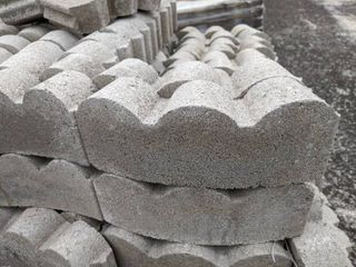 Gray Curved Scalloped Edge Pavers  360