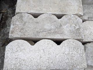 White Scalloped Edge Pavers  100
