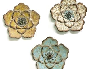 Stratton Home Decor   Set of 3 Rustic Flowers   Retail   79 99
