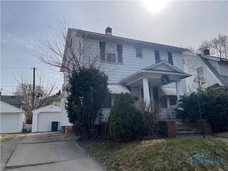 ABSOLUTE AUCTION! 4118 Lyman Ave