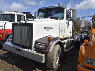 2002 Western Star 4964FX Tri-Axle Cab and Chassis