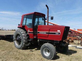International 5088 2WD Tractor