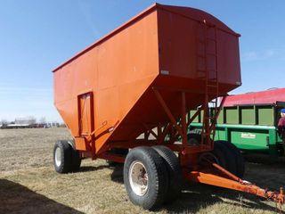 Derynck 700bu Gravity Wagon