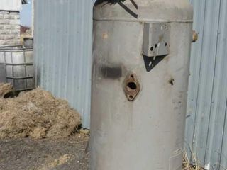 Upricht Compressor Tank and Head