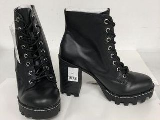 H M WOMENS BOOTS SIZE 8