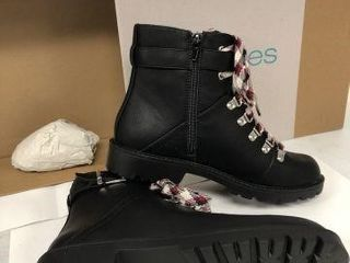 MAURICES WOMENS HIKER BOOTS SIZE 8 5