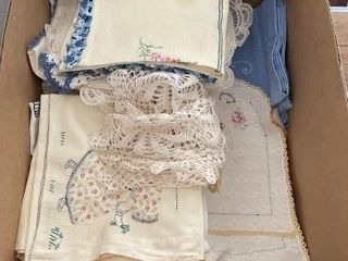 Miscellaneous embroidered hand towels and napkins