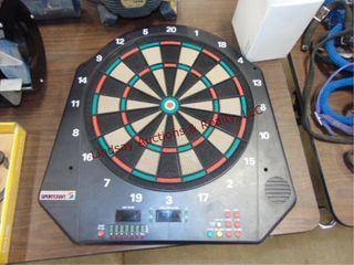 Sport craft elec dart board w  box of darts  tips