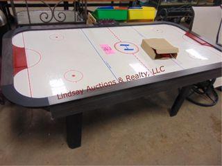 Air Hockey table w  accessories