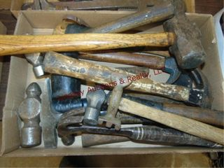 Flat of various type hammers