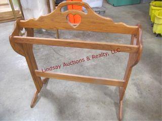 Wood quilt rack 30  x 11  x 35