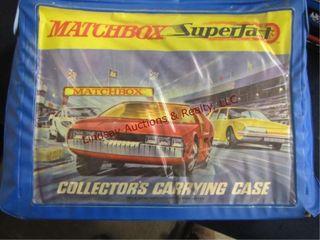 Matchbox collector carry case w  14 matchbox cars