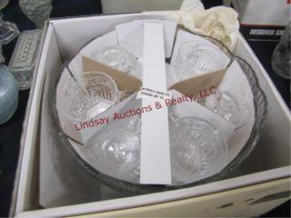 NIB Collections Cristal d  Arques 8pc punch set