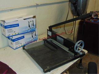 Manual paper cutter   2 NEW toner cartridges