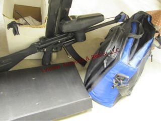 Special Ops paintball gun w  bag   other items