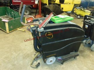 NSS Wrangler 2010 AB floor scrubber 24v