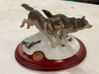 Hallmark Majestic Wilderness Wolves limited Edition 910 2 500