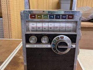 Juliette 7 Band 21 Transistor Radio