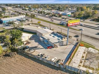 Commercial Property with Billboard in Houston, TX