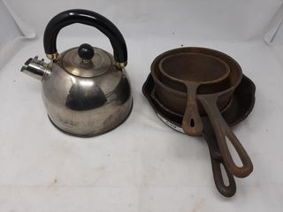 Cast iron pan and metal kettle